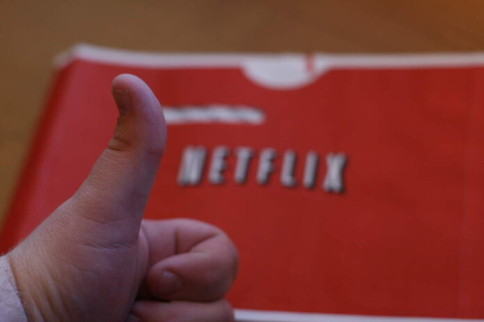 Netflix replace its star ratings to a thumbs up/down rating system