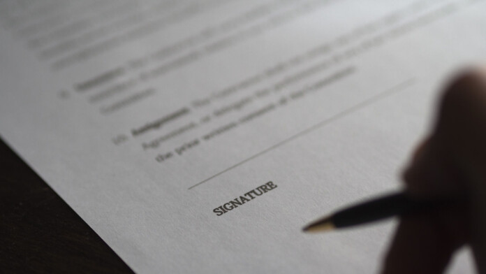 What the Difference Between Digital Signatures and Digital Certificates