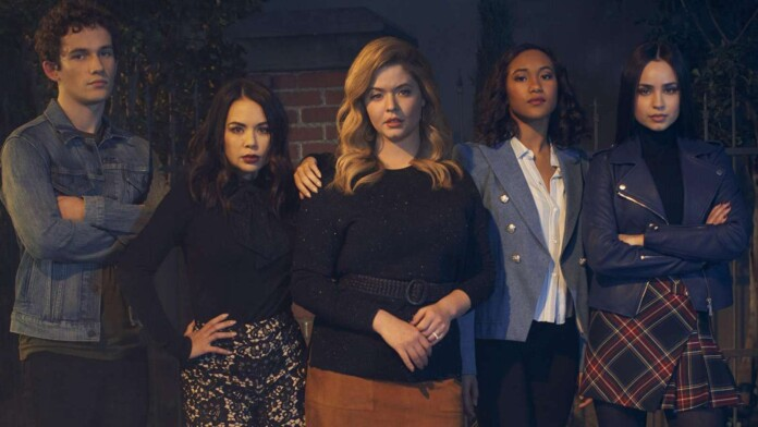 PRETTY LITTLE LIARS: THE PERFECTIONIST