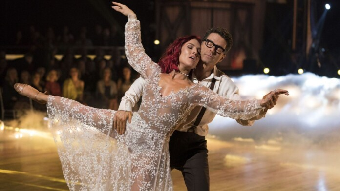 Watch Dancing With the Stars Online: Stream Full Episodes