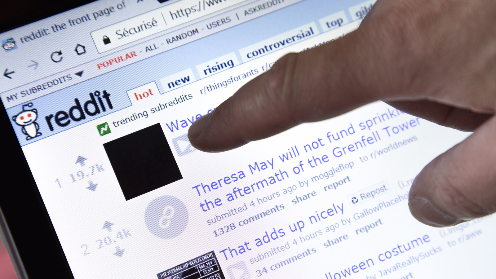 Bots Swell 'Piracy' Sub-Reddit to Steal Facebook and Google