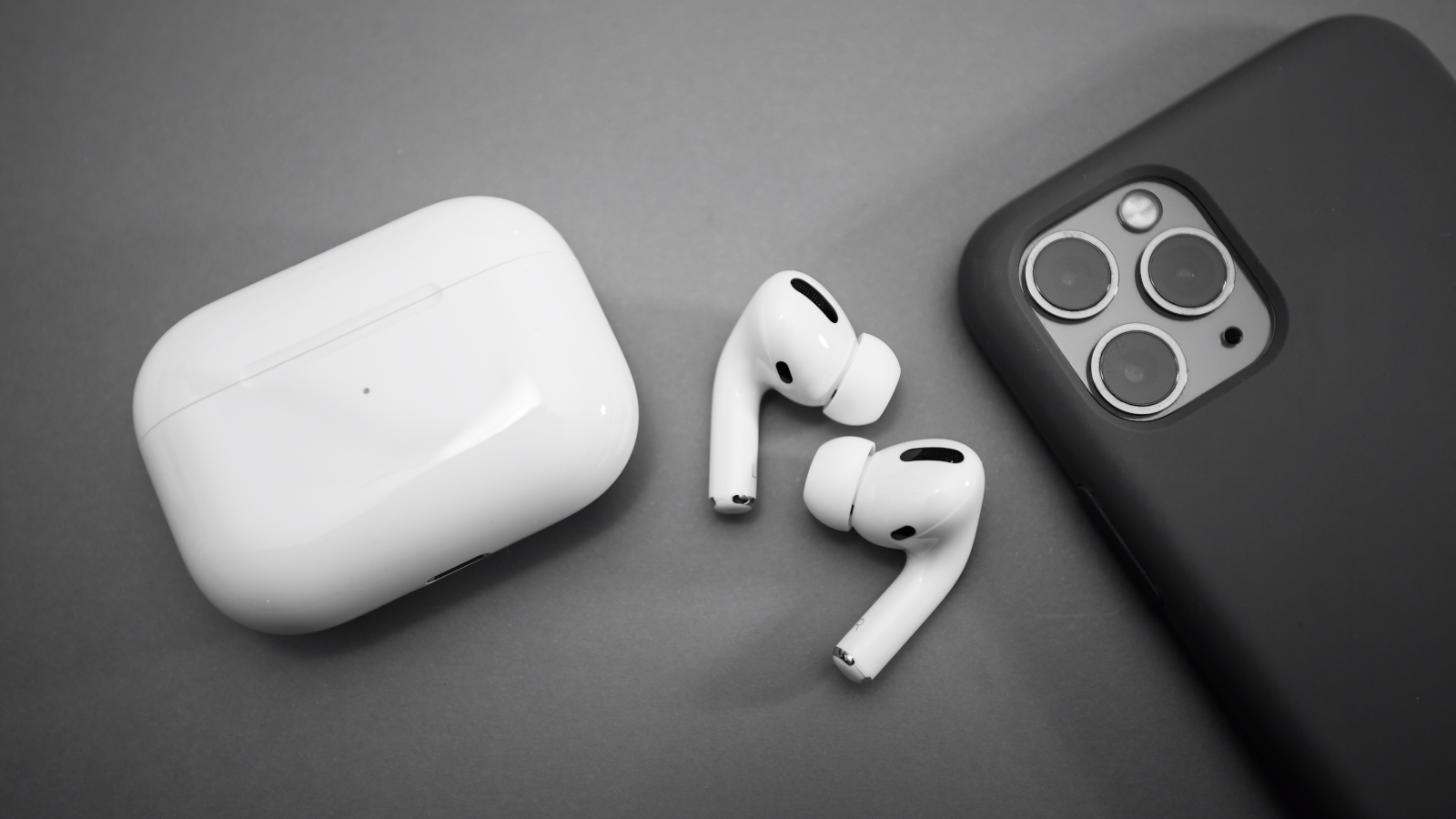 Among other news about iOS 14, iPadOS 14, and watchOS 7, Apple showed some love for the AirPods during WWDC, and they have actually announced some pre