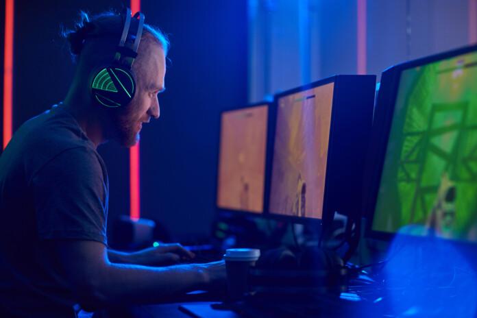 Gamer Multiple Monitors