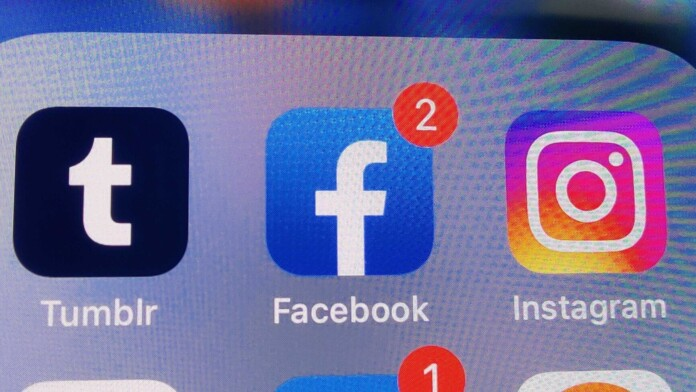 Facebook mysteriously logs out many iPhone users
